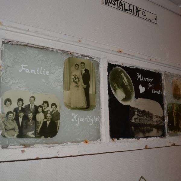 nostalgi-gamle-familiebilder-i-ny-ramme-vi-har-vinduer-du-har-bildene-pris-etter-avtale