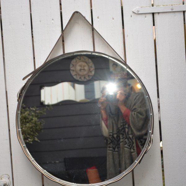 speil-diameter-60-cm-skinnbelter-pris-2000-nok